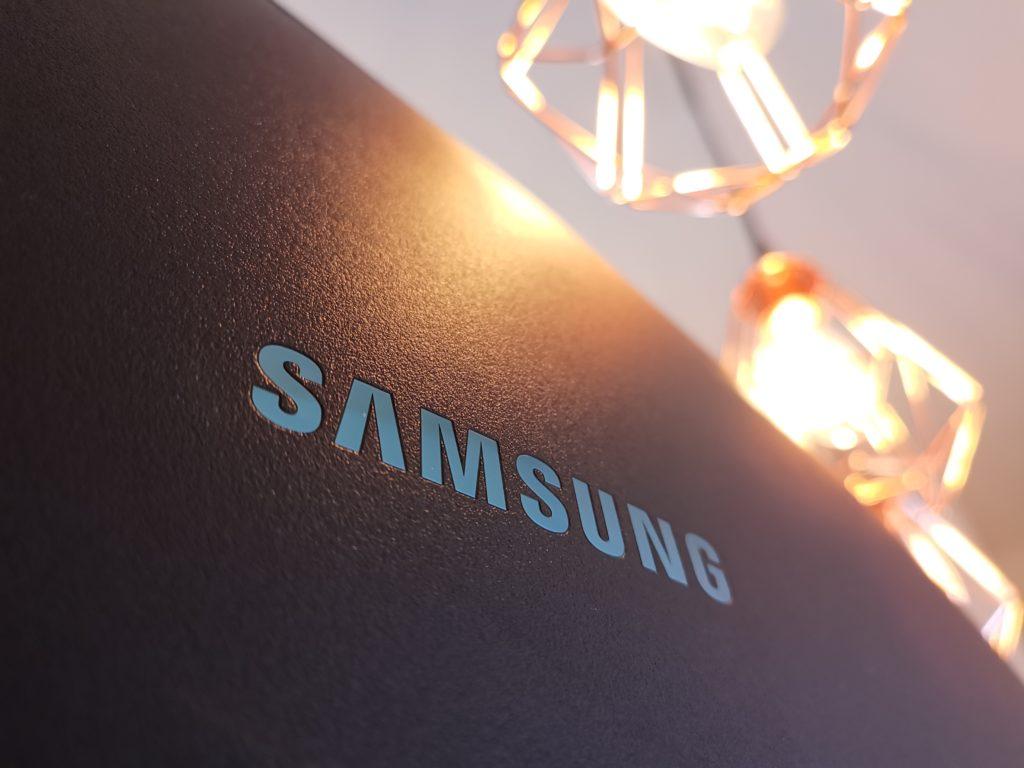 Samsung LC49Rg90 back